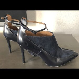 Banana Republic leather/suede high heeled booties